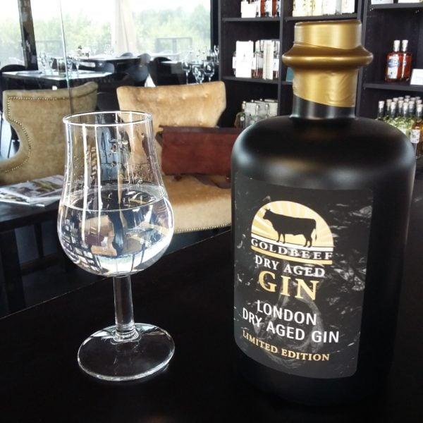 Dry aged Gin von GOLDBEEF