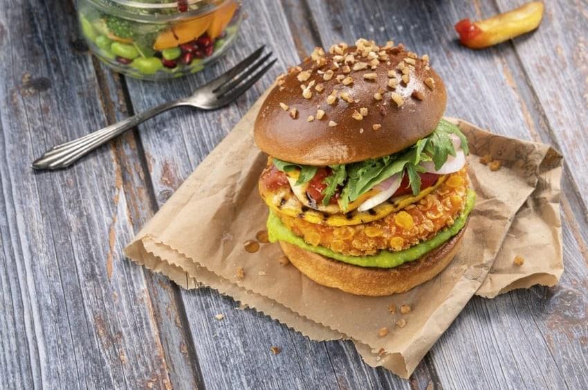 Veganer Burger aus Weizenprotein -SALOMON FoodWorld